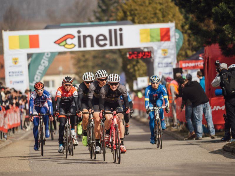 Primera victoria para el equipo de ciclismo Rafkarna IDEA
